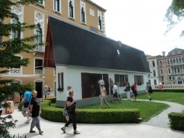 garrow house by erwin wurm – biennale 2011, site specific in- and outdoor installations, curated by peter noever for glasstress (photo: Galerie Thaddaeus Ropac)